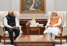 Photo of દાદા દિલ્હી દરબારમાં- CMO થી PMO સુધી સીમંધર સ્વામી, ભૂપેન્દ્ર પટેલે PM મોદી અને અમિત શાહને અર્પિત કરી સીમંધર સ્વામીની મૂર્તિ.