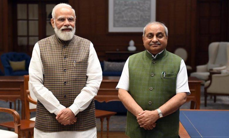 Photo of વડાપ્રધાન નરેન્દ્ર મોદી સાથે, ગુજરાતના પૂર્વ નાયબ મુખ્યમંત્રી નિતીન પટેલની શુભેચ્છા મુલાકાત.